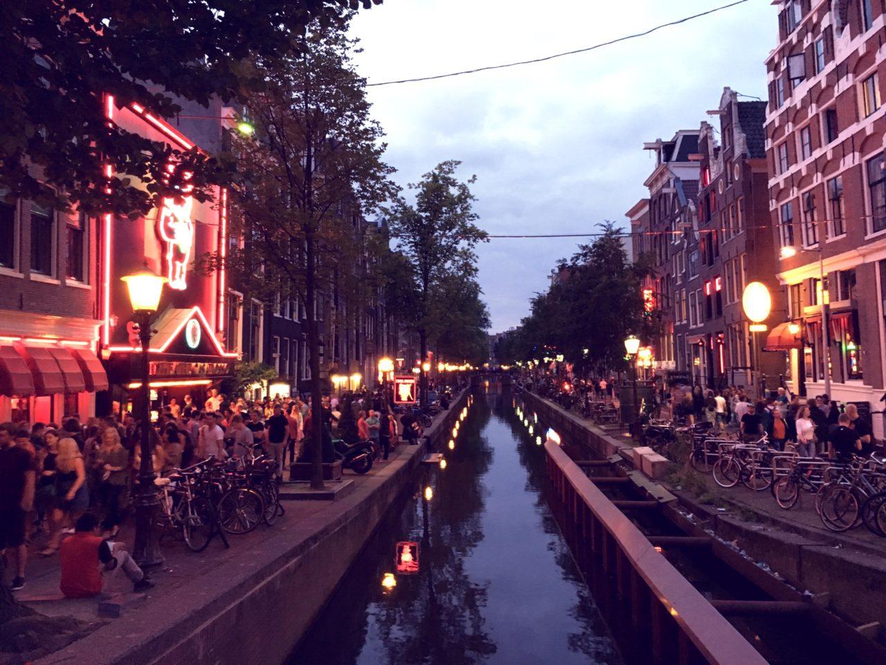 Allein in einer fremden Stadt - allein in Amsterdam